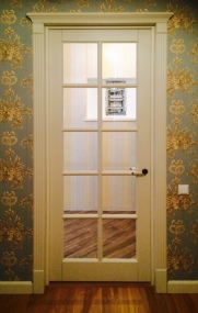 Дверь с английской решёткой